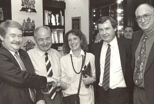 Minette pictured after winning the 1994 CWA Gold Dagger for The Scold's Bridle. From left to right: Mike Ripley, Colin Dexter, Minette, Alec, Chris Burt.